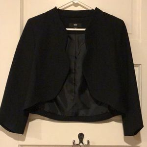 Cropped black lined blazer
